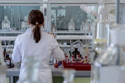 laboratory 2815641_1920